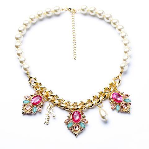 Shiny Elegant Beaded Pendant Necklace