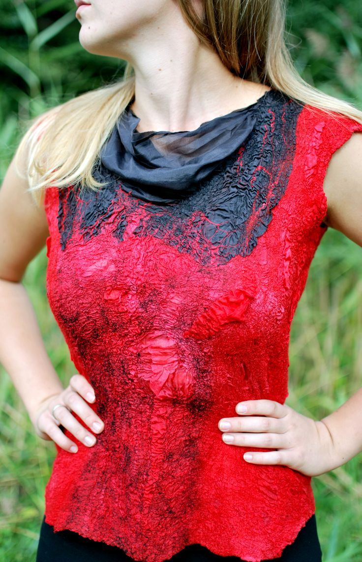 Summer blouse is made by the way of wet felting of wool and silk. This clothing is a bright representative of nunfaulting.
