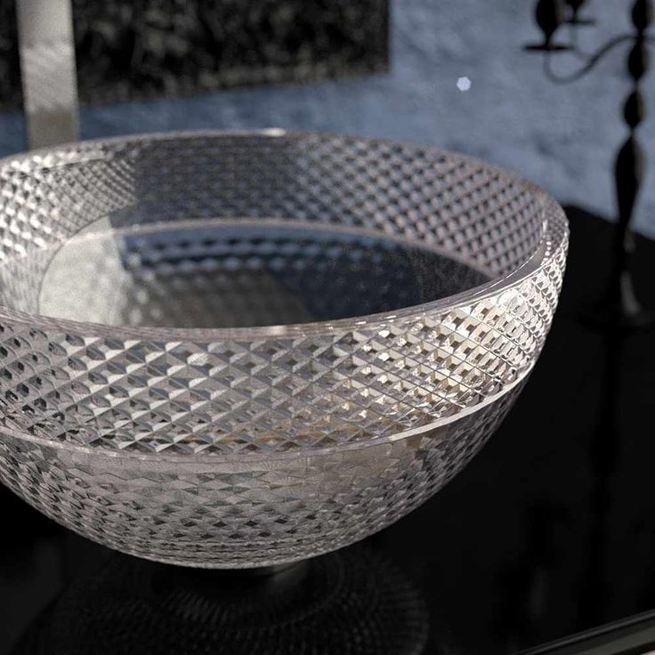 Glass Design bowls and basins are made in Tuscany, a few short miles away from the birthplace of Leonardo da Vinci.