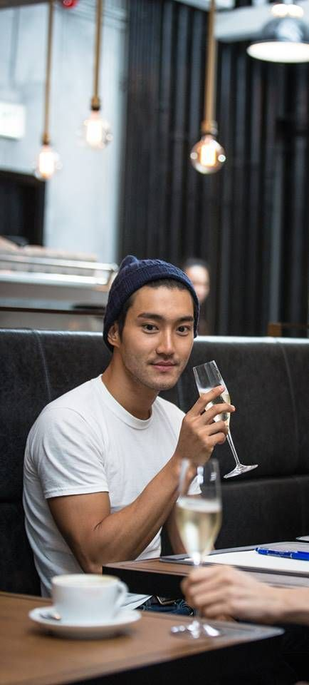 ManoTaste (the L.Place) Facebook Update with Siwon (130914)