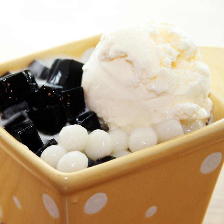 雪糕涼粉小丸子 Coconut Grass Jelly w/ Mini Rice Balls & Ice Cream