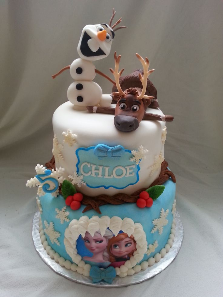 - Frozen cake with handmade Sven and Olaf