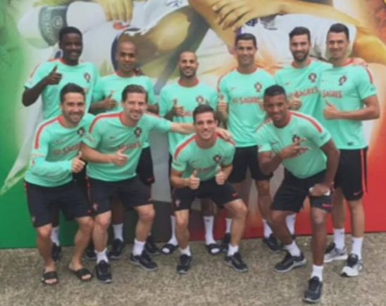 This 10 great football players are the bulk of Portuguese national Team that is now qualified to the semi-finals of France's euro 2016. All 10 were formed at Sporting CP's Accademy. They sent this photo to the Club's president, Bruno de Carvalho,  to celebrate the 110th birthday of the Club. Well done, guys!! William, J.Mário, Quaresma, C.Ronaldo, Rui Patrício, J.Fonte, J. Moutinho, Adrien, Cedric, Nani.