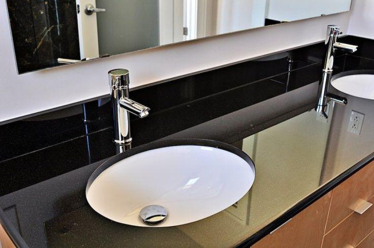 17 meilleures id es propos de salle de bains en granit sur pinterest comptoirs en granit. Black Bedroom Furniture Sets. Home Design Ideas