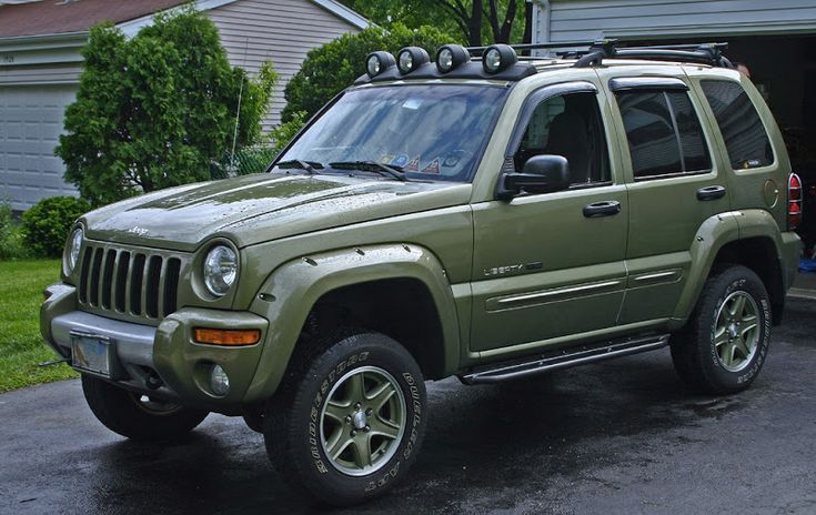 Jeep KJ Lift | 2010 Jeep Liberty Renegade Lifted Post lift & new skink sliders