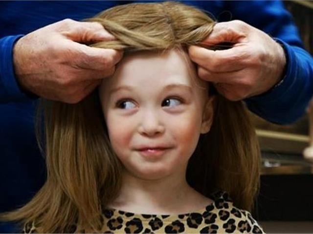 Να τι συμβαίνει όταν δωρίζεις τα μαλλιά σου