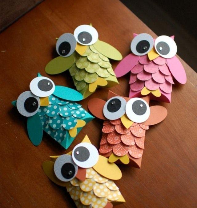 bricolage pour enfants: hiboux à plumage en papier à motifs