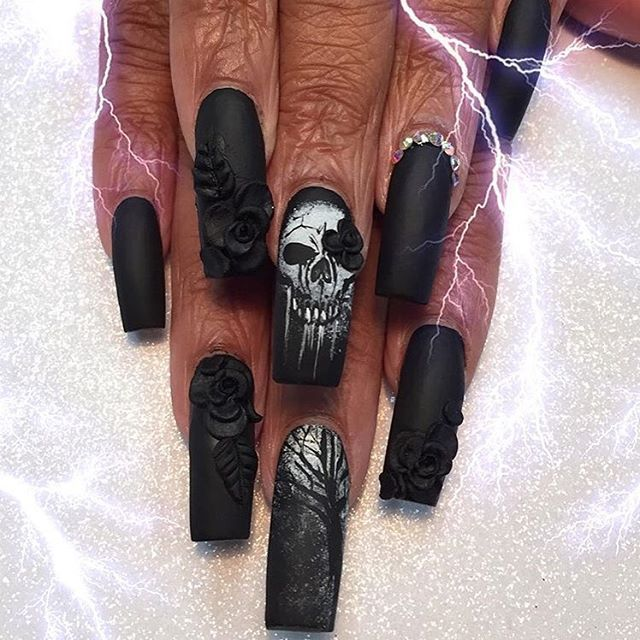 Halloween skull nails                                                                                                                                                                                 More