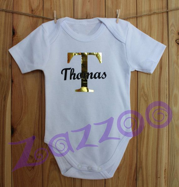 Personalised Newborn Onesie Bodysuit by Zazzoo Any name by Zazzoo