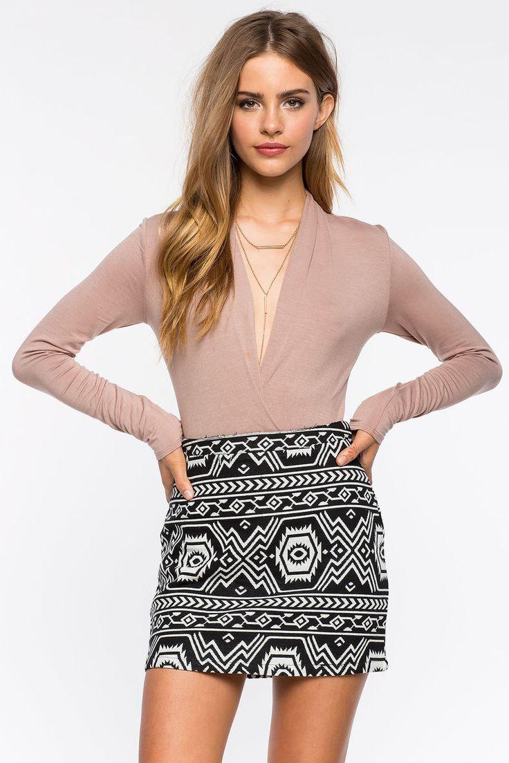 Боди Размеры: M, L Цвет: кремовый, красный Цена: 1149 руб.     #одежда #женщинам #боди #коопт