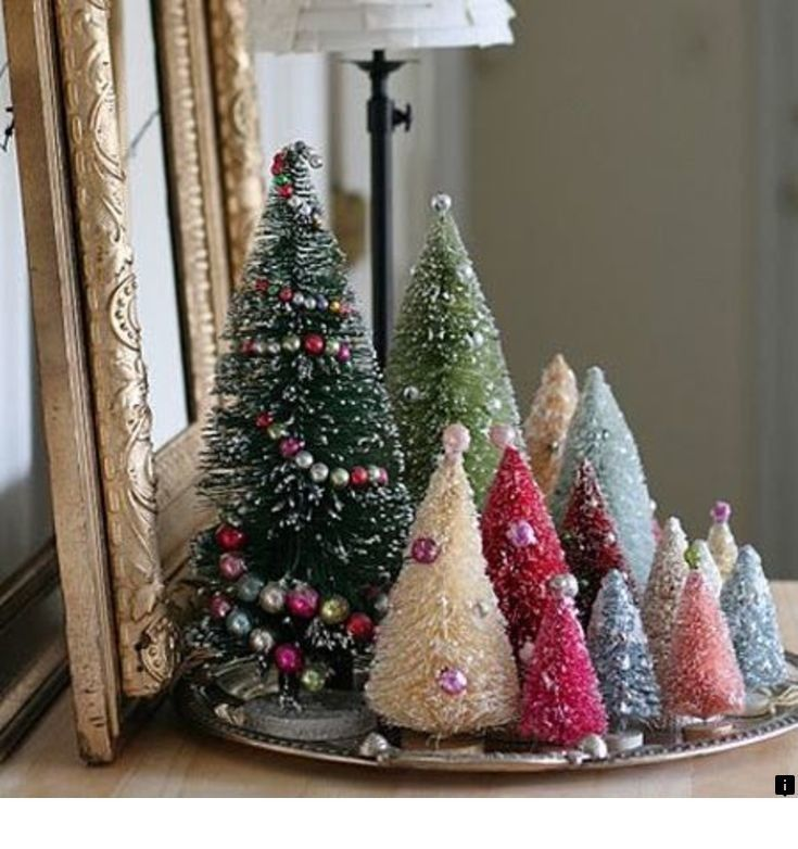 Read Information On White Christmas Tree Ornaments Follow The Link For More Viewi Bottle Brush Christmas Trees Small Christmas Trees Simple Christmas Tree