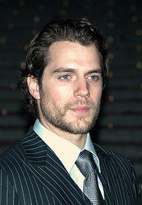 200px-Henry_Cavill_at_the_2009_Tribeca_Film_Festival_2.jpg (200×288)