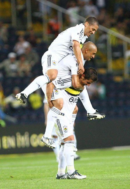 Alex de Souza Roberto Carlos Emre Belözoğlu Fenerbahçe