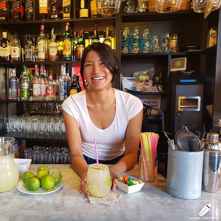 """Risueña """"Caipirinha Espetinhos"""", tal como la barmaid Bri Aranda. Este cóctel ya trae buenas vibras…    #CopasConEstilo #Bartender #Cocktail #Coctelería #Cóctel #Cócteles #Madrid"""