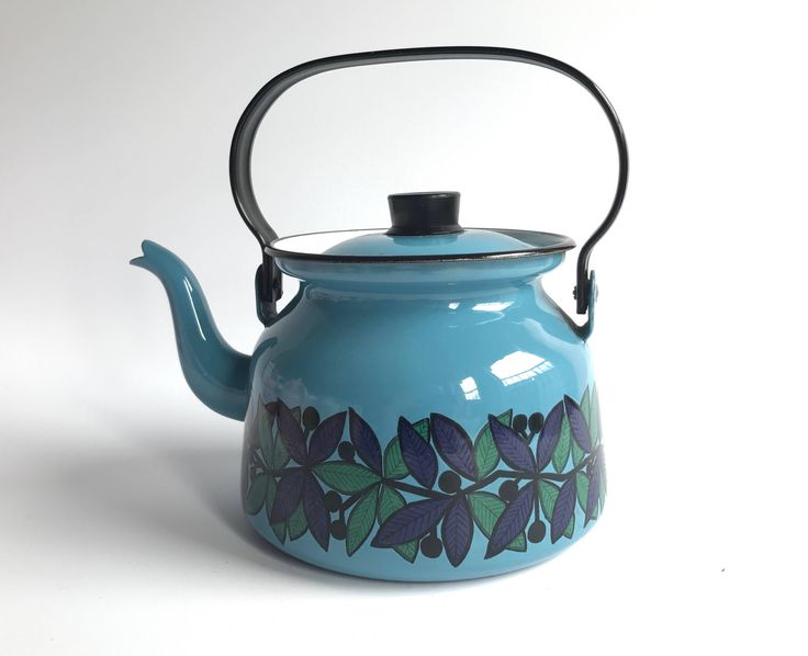 FINEL 'Lehva', enamel Tea kettle / leaf & berry decor / extremely Rare highly collectible / Mid century modern ARABIA Finland by VintageDesignTreats on Etsy https://www.etsy.com/listing/549342830/finel-lehva-enamel-tea-kettle-leaf-berry