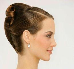 コンペやデモの時、どんな髪型にすればいいのか迷いますよね。  そんなときに役に立つヘアスタイル写真を集めてみました。  美容院でのオーダーや自分で上げる時の参考にしてみてはいかがでしょう? ...