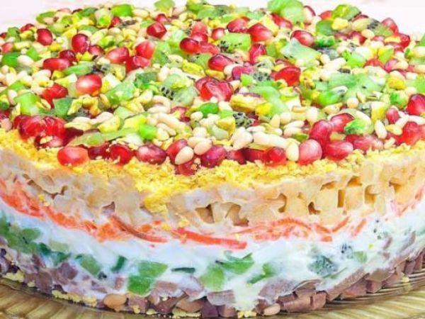 Очень вкусный слоеный салат с языком — vkusno.co