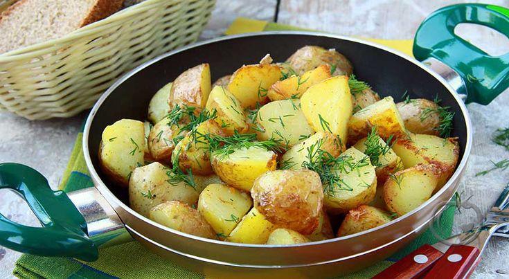 Potetsalat med sennep og dill 1 kg nypoteter 1 ts sitronsaft1 ss Dijonsennep3 ss olivenoljehavsalt nykvernet pepperDill Damp potetene møre, og avkjøl dem.Bland god sammen sennep, sitronsaft og olivenolje. Smak til med havsalt og nykvernet pepper.Strø over hakket dill til slutt.