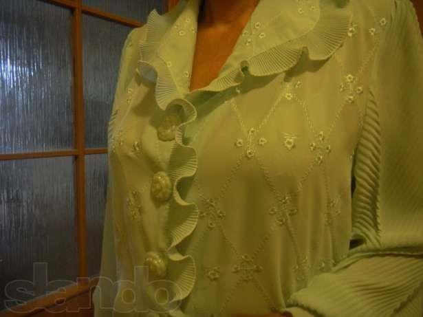 Бирюзовая блузка какие пуговицы подойдут