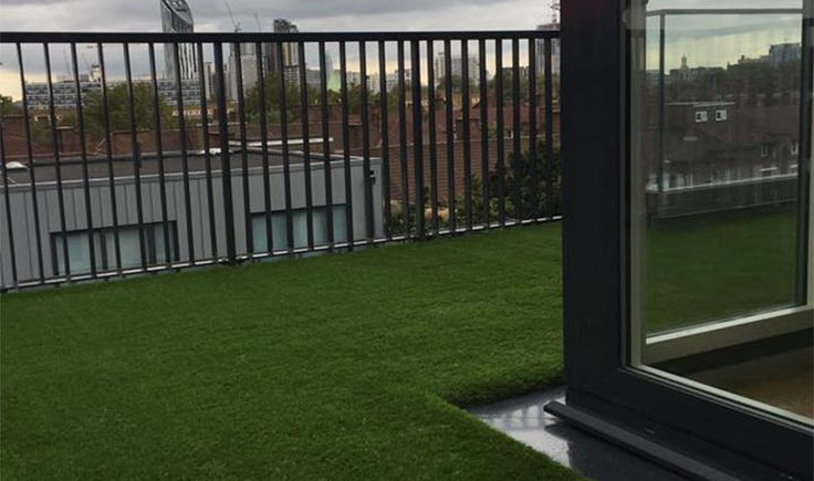 Installing grass on a Penthouse terrace in London