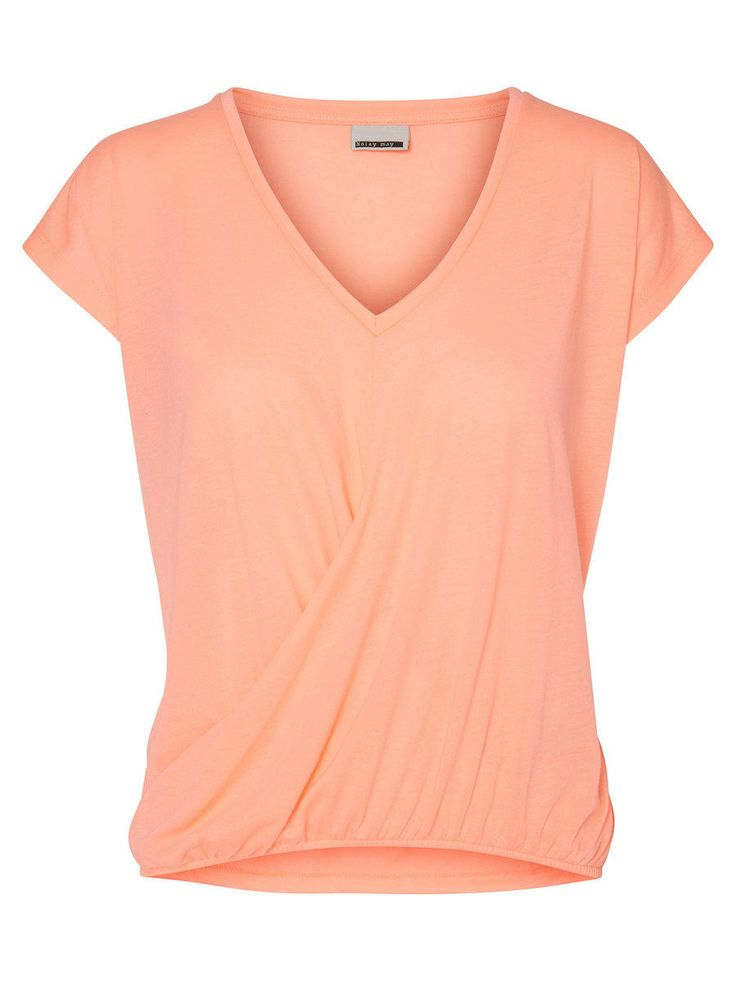 Loose fit short sleeved top in pale peach from Noisy may.
