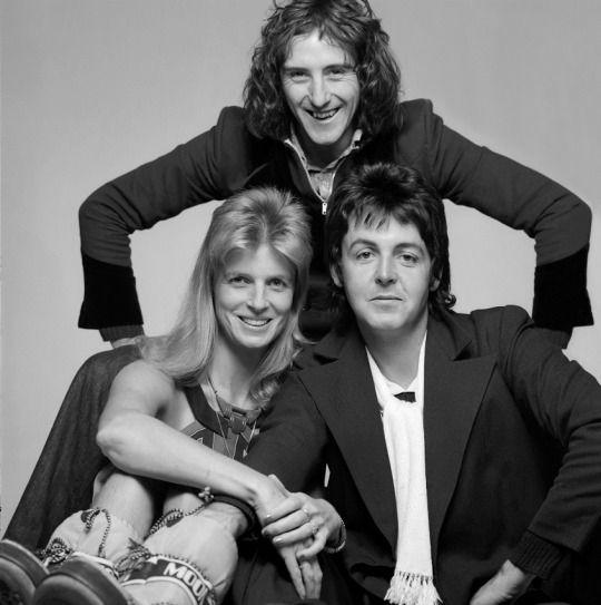 DENNY LAINE,LINDA AND PAUL MCCARTNEY DURING WINGS ERA...