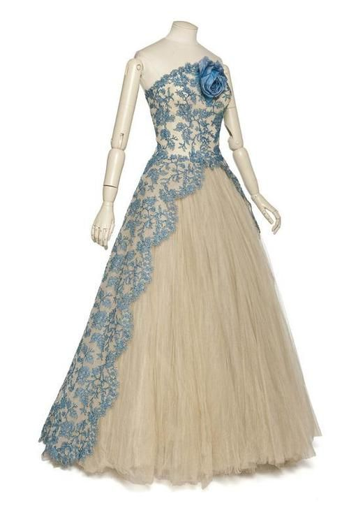 Dress  Pierre Balmain, 1950s  Les Arts Décoratifs - This is gorgeous, but I think it'd be even better with red :)