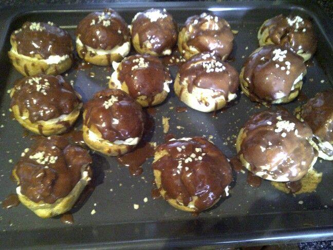 Chocolate eclairs! See http://www.stylexplora.blogspot.com