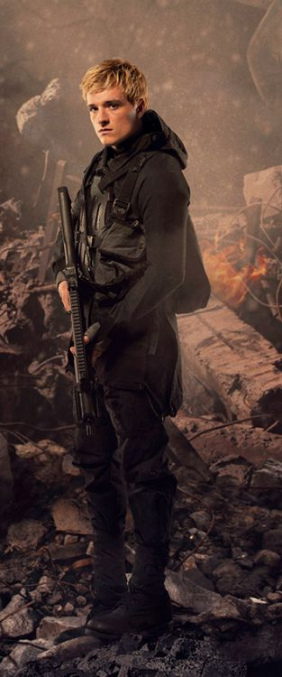 In Mockingjay Part 2 movie photos Peeta always looks so damaged and its killing me!