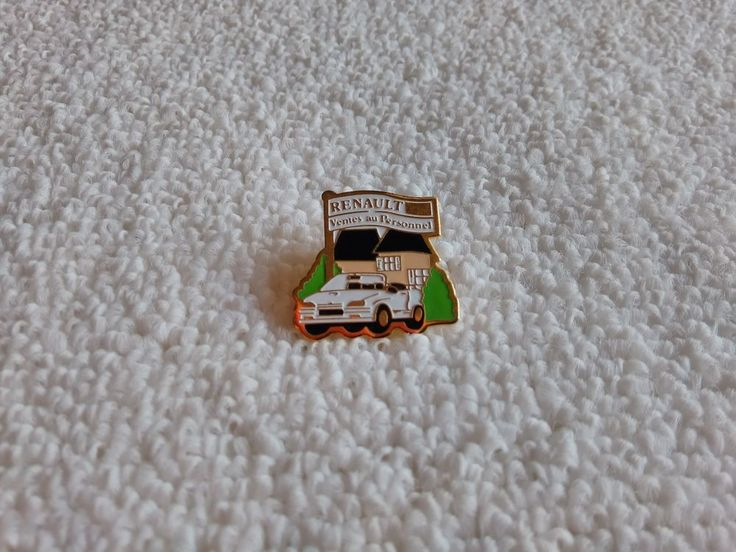 Vintage France/French Renault Automotive pin badge