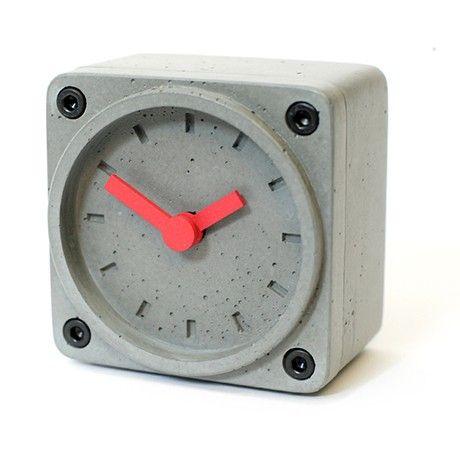 Timebrick concrete clock by gramms monoqi bestofdesign for Detalles para el hogar