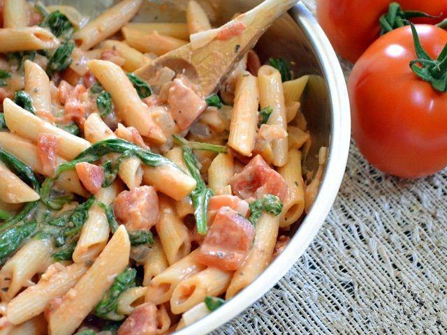 Creamy Tomato And Spinach Pasta-