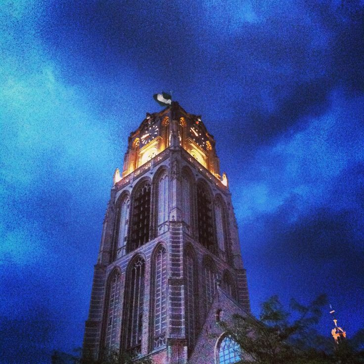 Onweer in #Rotterdam, mooie luchten! #010