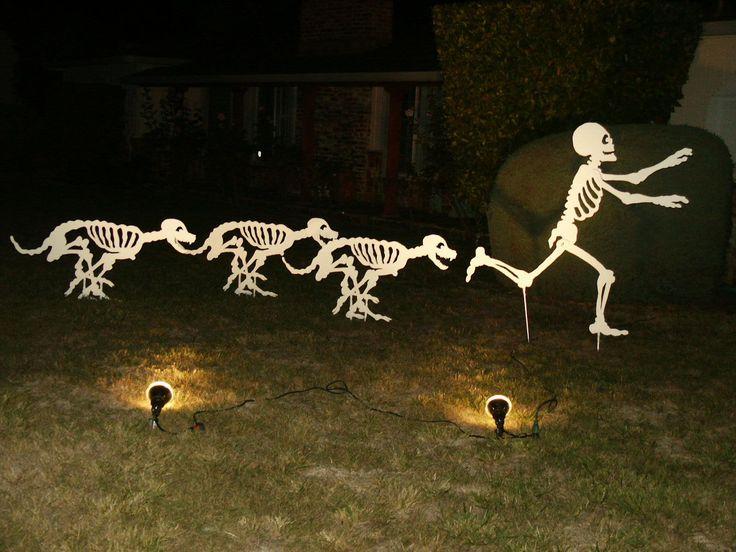 Skeleton dogs chasing a skeleton - Love it!!