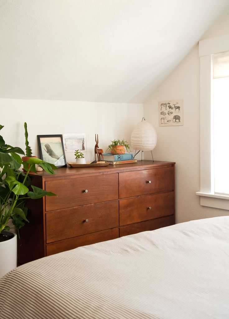 Before And After: An Empty Guest Room Becomes A Clean And Cozy Northwest  Retreat