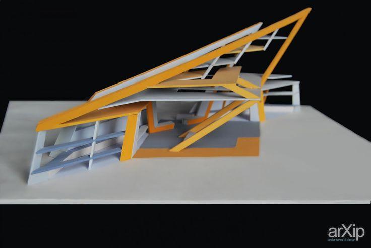Escalator: архитектура, 2 эт | 6м, 0 - 100 м2, каркас - металл, макет, фасад - стекло, конструктивизм, остановка автобусная #architecture #2fl_6m #0_100m2 #frame_metal #layout #model #miniature #facade_glass #constructivism #busstop arXip.com