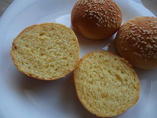 Wypieki Rene: Kukurydziane bułeczki z sezamem