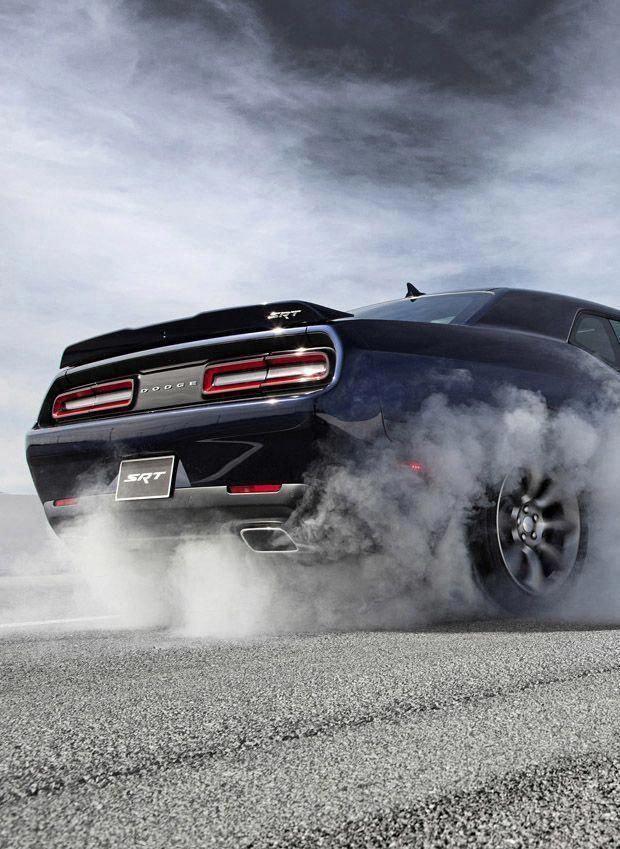 Dodge Charger Oldtimer zerquetscht werden #DodgeChargerclassiccars   – Dodge Charger classic cars