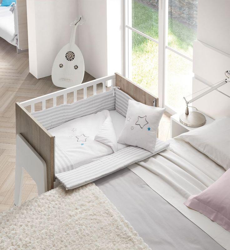 Cuna Colecho Mimmos by ROS. acoplada a la cama. Protector en los cuatro costados para mayor seguridad cuando está cerrada.
