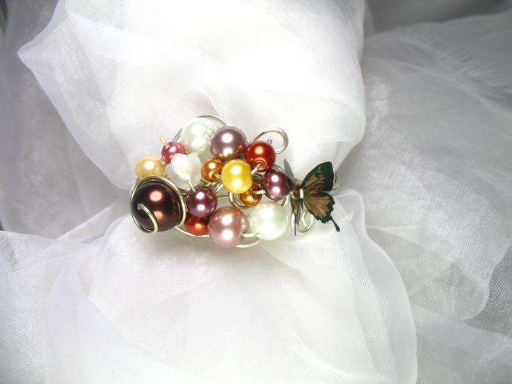 Bracelet Fil d'aluminium violet, fuchsia, violet avec perles en verre nacrées