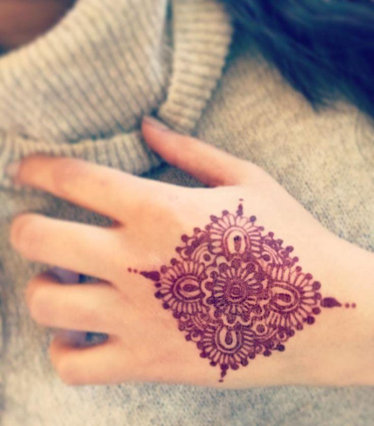 Testing some henna! #mandala #mandalatattoo #mandalas #sundayfunday #blackhenna #henna #hennatattoo #hennadesign #hennaart #hennafun #hennawedding #hennapro #mehndi #mehndidesign #mehndiart #tattoo #tattooideas #tattooartist #red #hennalove #creative #artist #artistic #tattoosleeve #tattooideas #tattooart