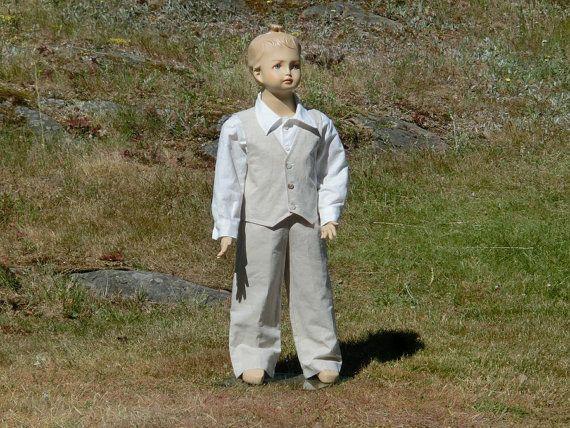 Ring bearer suit. Boys linen suit. Rustic by englaCharlottaShop