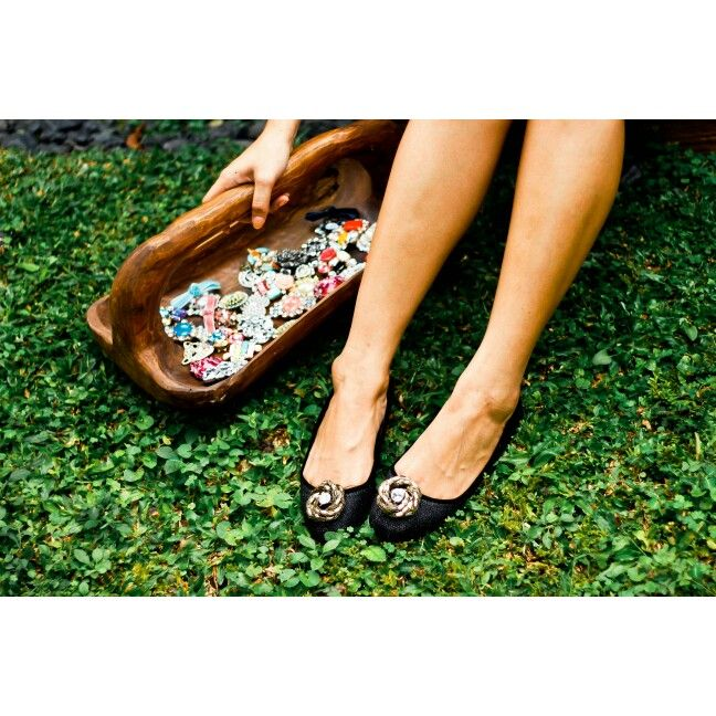 Shoe clips for making your shoes fashionable and cool..see the collection in www.zero-stores.com