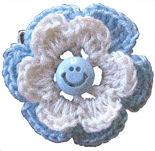 www.auroramucca.1mas1.net -  escarapela argentina tejida al crochet en forma de flor.