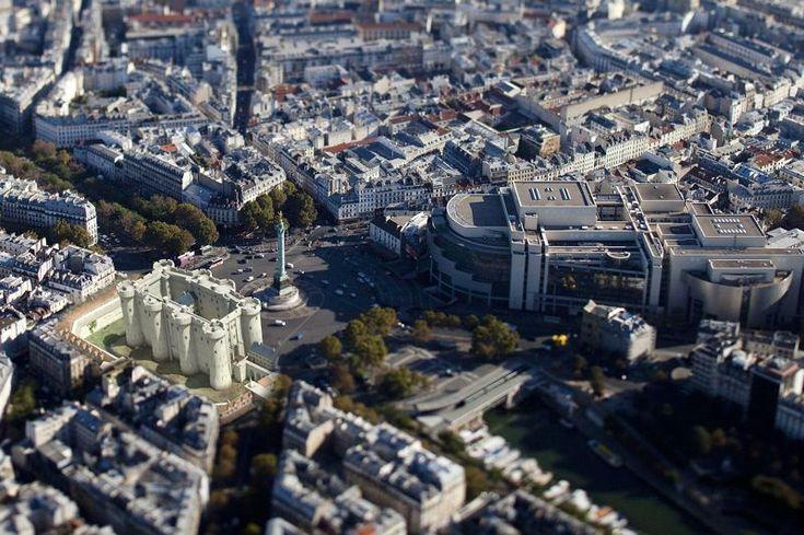 LA BASTILLE    Intégré dans le Paris actuel, le fort tant redouté se distingue par sa faible superficie: il ne mesurait que 34 m de large pour 66 m de longueur et 24 m de hauteur. Crédits photo : Dassault Systèmes