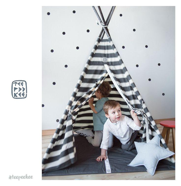 Утро всегда начинается с планов и новых идей👉пусть и ваше утро начнётся позитивно и принесет вам массу позитивных эмоций❤️🌞🚀 . . Наш фотопроект #crafts_united, который собрал лучших из лучших дизайнеров и мастеров. Мы решили показать как можно организовать детское пространство и сделать его комфортным🌞Знакомим по-отдельности с каждым:⭐️Типи от @teepeekee⭐️Мобили, киты и дракоши @sun_and_co ⭐️Подушки-узлы от @delo_artamonovoj ⭐️Панно-макраме от @knotinterior ⭐️Деревянные игрушки и…