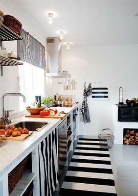 Striped rug runner in the kitchen