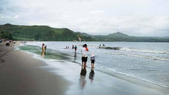 Wisata Pantai Gemah Tulungagung