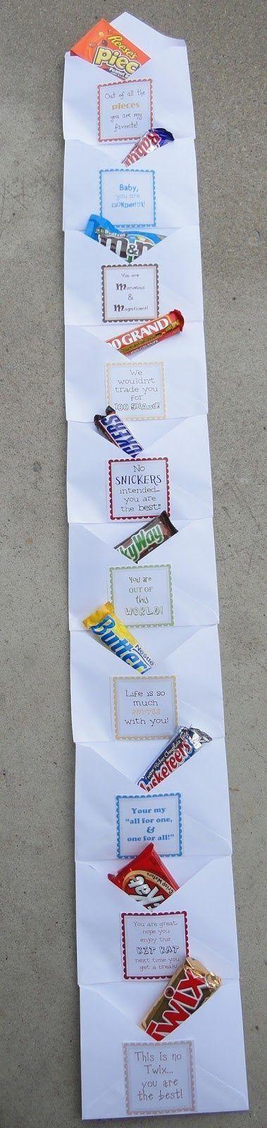 Un chocolate para cada día de la semana con una frase que la motive o que le explique por qué es tu mejor amiga.