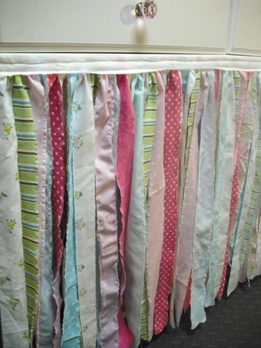 LOVE this crafty table skirt! Perfect for my craft tables on risers!!: Booth Ideas, Display Ideas, Craft Booth, Craft Ideas, Fabric Ribbon, Table Skirts